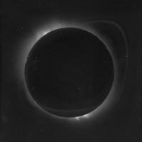 http://libexh.library.vanderbilt.edu/impomeka/solar-eclipse/MSS0031-Solar_Eclipse-lantern_slide-03-1918.jpg
