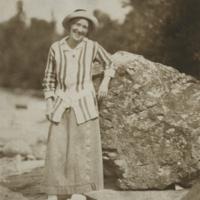 http://libexh.library.vanderbilt.edu/impomeka/2015-exhibit/MS0242-P-Mary_Henderson_Kirkland-1914.jpg